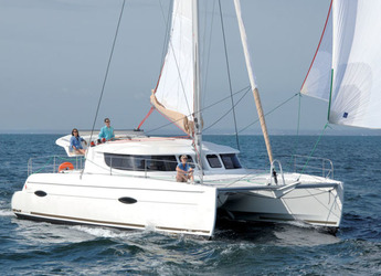Rent a catamaran in Marina Le Marin - Lipari 41