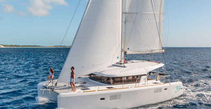 Rent a catamaran in Marina Le Marin - Lagoon 39