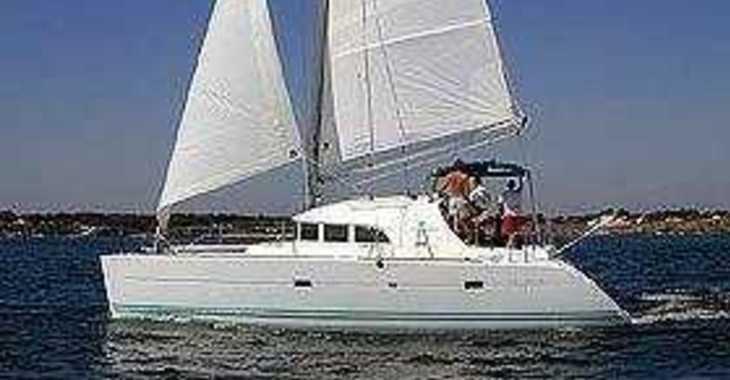 Rent a catamaran in Marina Le Marin - Lagoon 380