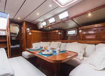 Chartern Sie segelboot Oceanis 500 in Marina Real Juan Carlos I, Valencia