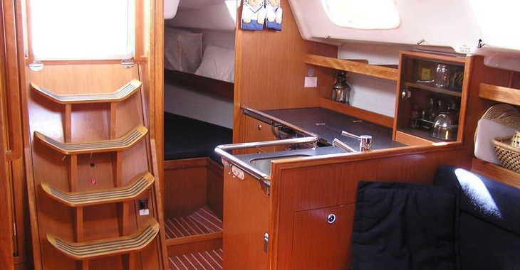 Rent a sailboat in Lefkas Nidri - Bavaria 35 Cruiser