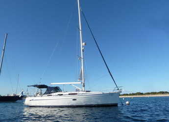 Rent a sailboat in Vilanova i la Geltru - Bavaria 38 Cruiser