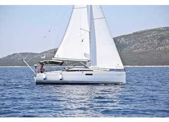 Rent a sailboat in Volos - Sun Odyssey 349