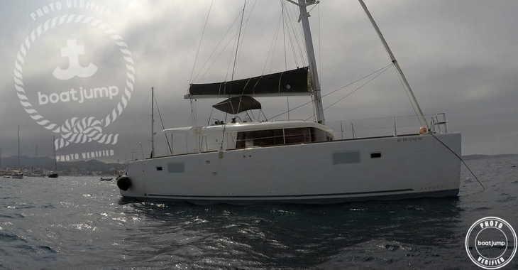 Rent a catamaran in Club Naútico de Sant Antoni de Pormany - Lagoon 450