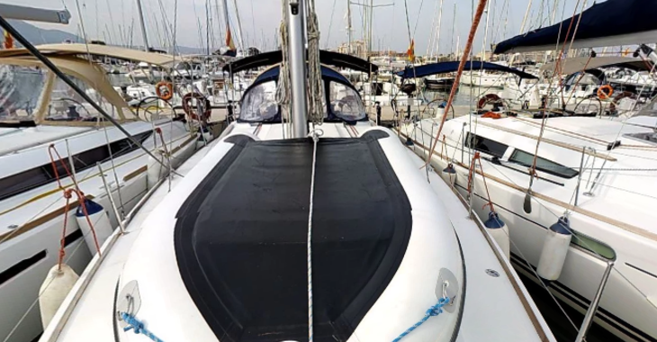 Rent a sailboat in Marina de Dénia - Sun Odyssey 39i