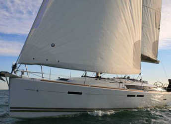 Rent a sailboat in Marina de Dénia - Sun Odyssey 43.9
