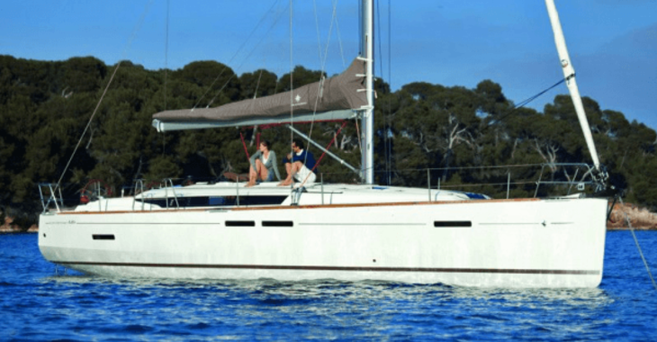 Rent a sailboat in Marina de Dénia - Sun Odyssey 51.9