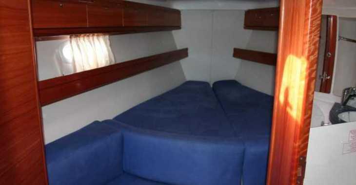 Rent a sailboat Bavaria 39 cruiser in Playa Talamanca, Ibiza (city)