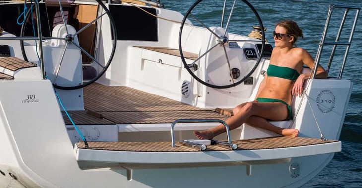 Rent a sailboat in Zaton Marina - Dufour 310