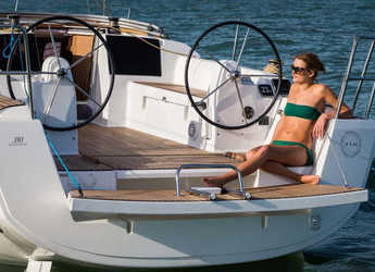 Rent a sailboat in Zaton Marina - Dufour 310