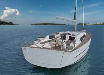 Rent a sailboat in Veruda - Dufour 360 Grand Large