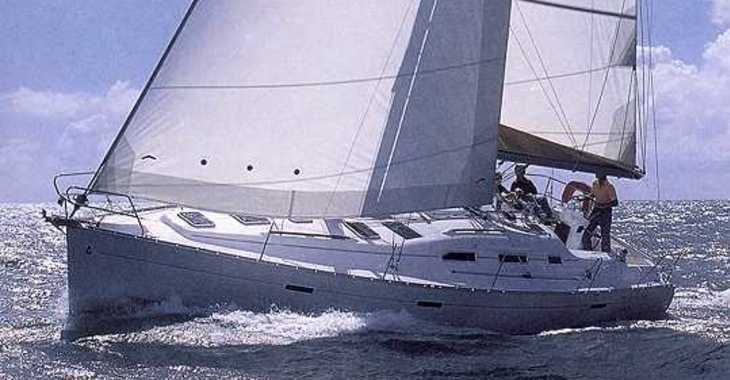 Rent a sailboat Oceanis 393 in Port Lavrion, Lavrion