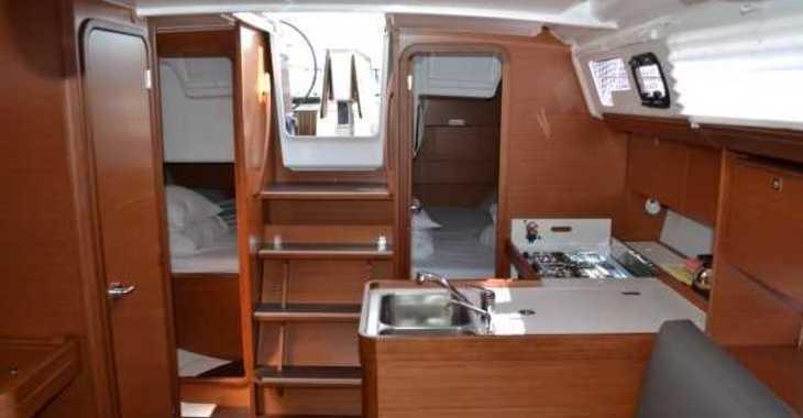 Rent a sailboat in Marina Sukosan (D-Marin Dalmacija) - Dufour 360 GL