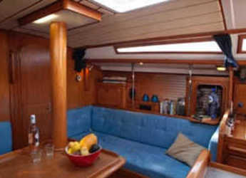 Alquilar velero Dufour 39 en Port Ginesta, Barcelona