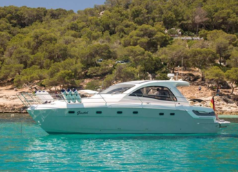 Rent a motorboat in Naviera Balear - Bavaria 43 HT Sport