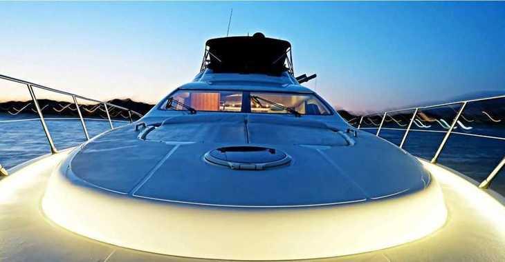 Rent a yacht in Alimos Marina Kalamaki - Azimut 68