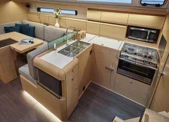 Chartern Sie segelboot Jeanneau Sun Odyssey 449 in Marina Real Juan Carlos I, Valencia