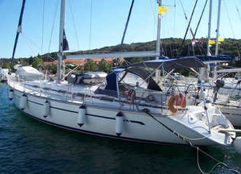 Rent a sailboat in Marine Pirovac - Bavaria 49