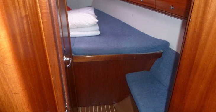 Rent a sailboat in Marina Kornati - Bavaria 36