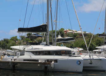 Rent a catamaran in Maya Cove, Hodges Creek Marina - Lagoon 50