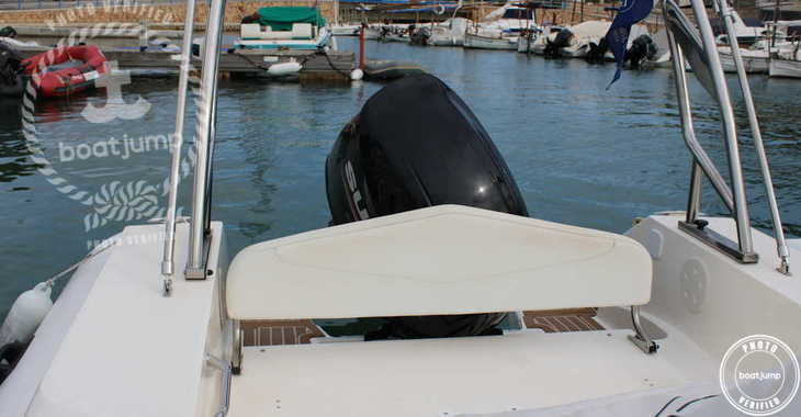 Rent a motorboat in Port Mahon - Capelli Tempest 700