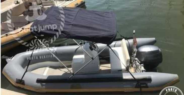 Rent a dinghy in Puerto de Santa Pola - BWA Four Four Open