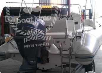 Alquilar neumática Flyer 575 en Puerto de Santa Pola, Alicante