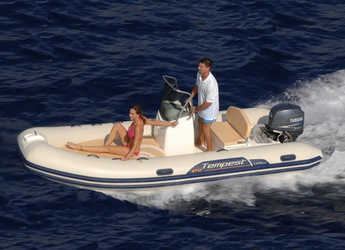 Rent a dinghy in Port d'andratx - Capelli Tempest 470