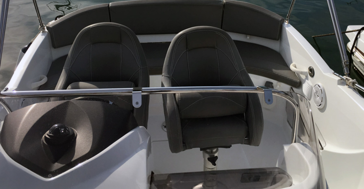 Rent a motorboat in Club Nautic Cambrils - Beneteau 550 Flyer Sundeck