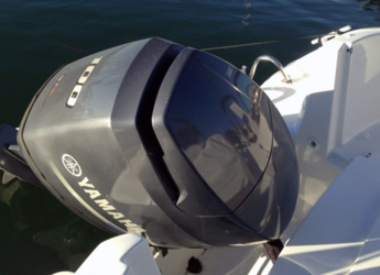 Rent a motorboat Beneteau 550 Flyer Sundeck in Club Nautic Cambrils, Cambrils