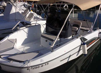 Rent a motorboat in Club Nàutic Estartit - Beneteau 5.5 Flyer Spacedeck