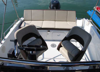 Rent a motorboat Beneteau Flyer 5.5 Sundeck in Club Nàutic Estartit, Girona