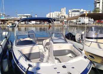Chartern Sie motorboot in Club Naútico de Sant Antoni de Pormany - Chaparral Suncoast 230