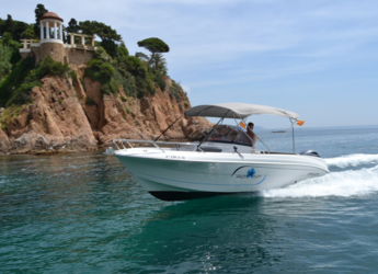 Rent a motorboat Pacific Craft 670 Open in Puerto de blanes, Girona