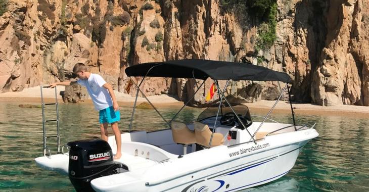 Rent a motorboat in Puerto de blanes - AV 696