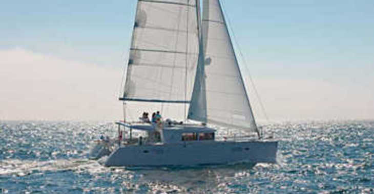 Alquilar catamarán en Jolly Harbour - Lagoon 450
