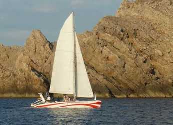 Rent a catamaran Rush 10 in Port of Fornells, Fornells