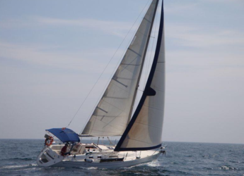Rent a sailboat in Port of Ciutadella - Dufour classic