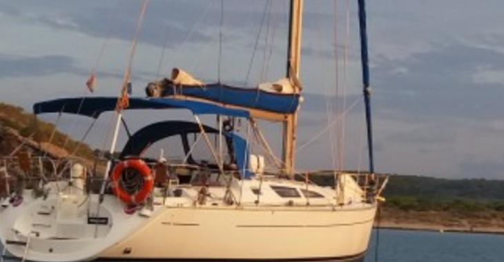 Rent a sailboat in Marina Palamos - Jeanneau Sun Odyssey 40