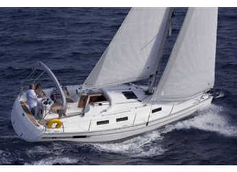 Rent a sailboat in Marina Trapani - Bavaria 32 Cruiser