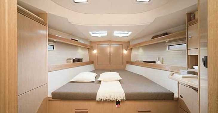 Rent a sailboat in Skiathos  - Bavaria Cruiser 45