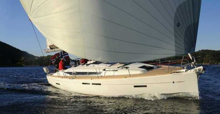 Rent a sailboat in Skiathos  - Sun Odyssey 409