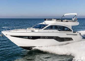 Chartern Sie motorboot in ACI Marina Split - Cranchi E 52 F Evoluzione