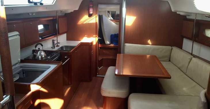 Rent a sailboat in Marina Palamos - Oceanis 40