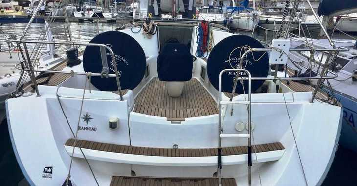 Rent a sailboat Sun Odyssey 42 i in Marina Palamos, Palamos