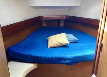 Rent a sailboat Sun Odyssey 42 i in Marina Palamos, Palamos