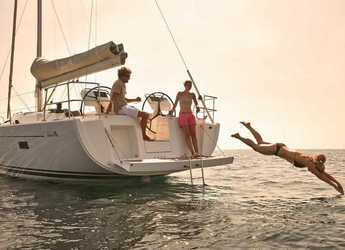 Rent a sailboat in Contra Muelle Mollet - Hanse 455