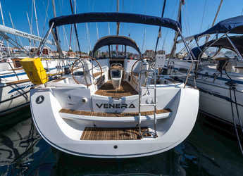 Rent a sailboat in Marina Kornati - Sun Odyssey 42 i