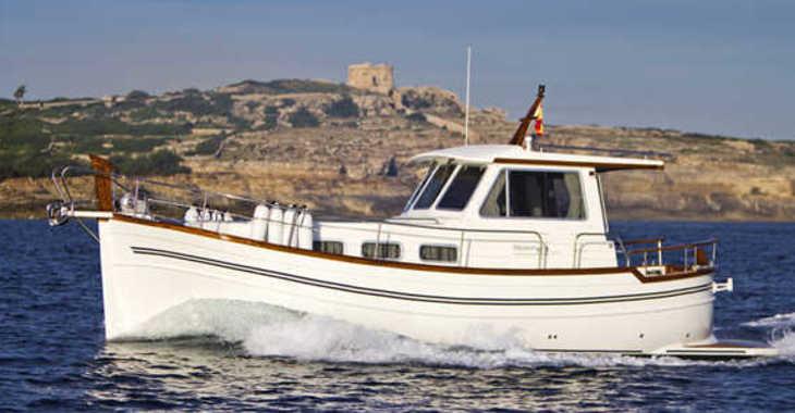 Alquilar lancha Menorquin 100 en Port Roses, Girona