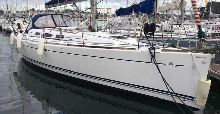 Rent a sailboat in Port Roses - Dufour 40